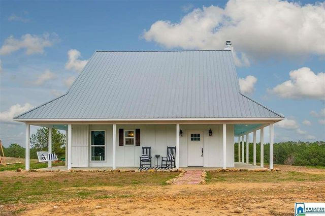 Speingville al farmhouse exterior
