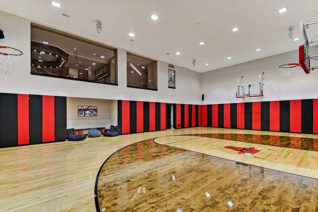 Burr Ridge IL basketball court