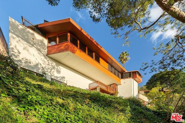 John Lautner house LA exterior