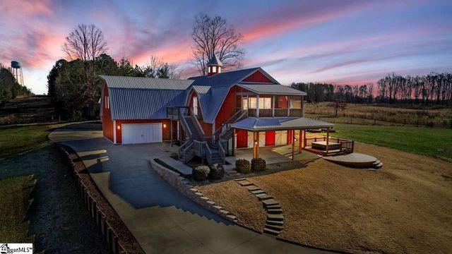 Simpsonville, SC horse farm exterior