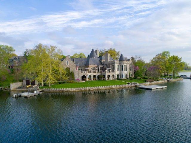 Kansas City. MO castle on water