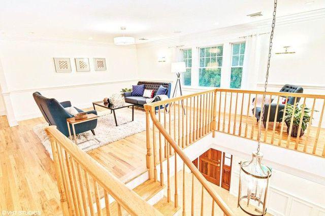 Hamptins summer house loft