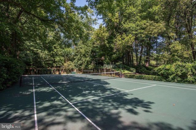 Tennis court Blair house