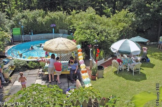 Henry Hill pool party show