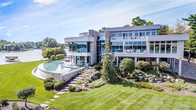 Matthew Stafford mansion Bloomfield Township MI