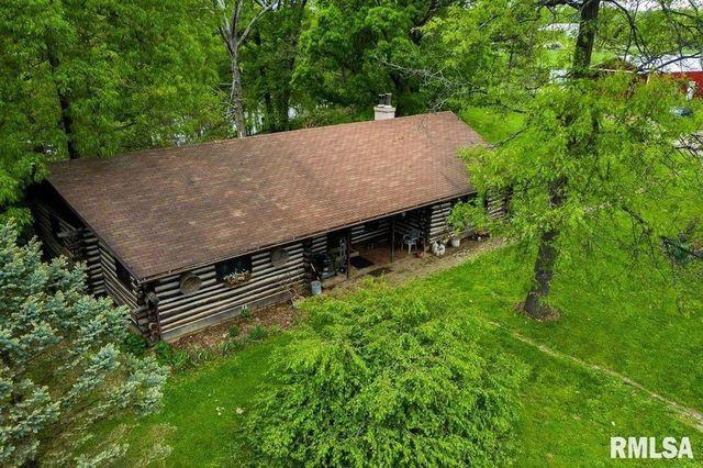 Chillicothe, IL homestead log cabin exterior