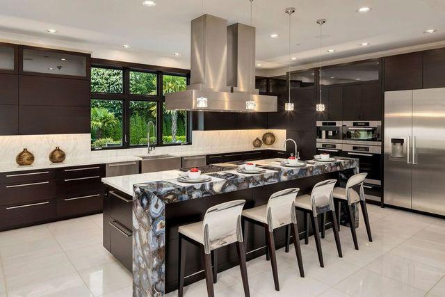 Kitchen Felix Hernandez mansion