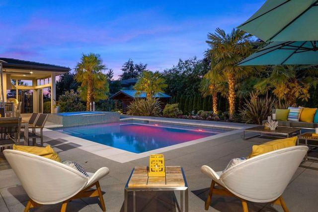 Pool Felix Hernandez house
