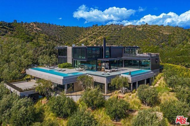 Los Angeles, CA Bond house of the future