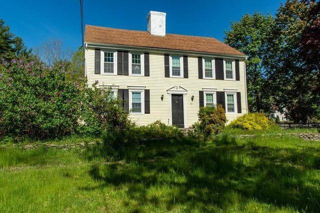 Middleboro, MA house exterior