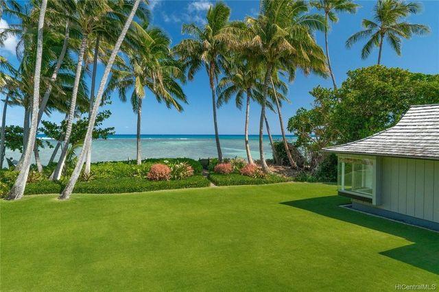 Honolulu HI beach house exterior view