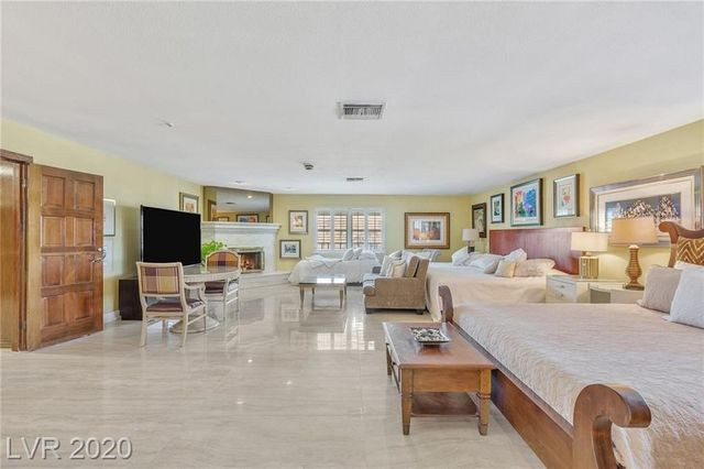 Owner's suite bedroom Jerry Lewis house Las Vegas