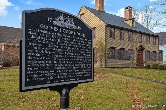 Groves-Hodge House plaque