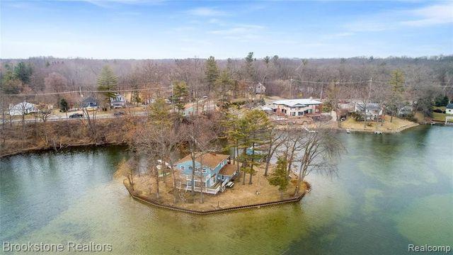 Addison Township, MI private island