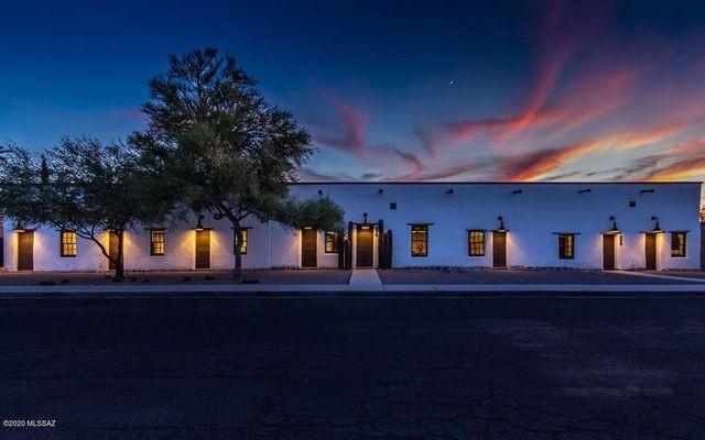 Diane Keaton house in Tucson exterior