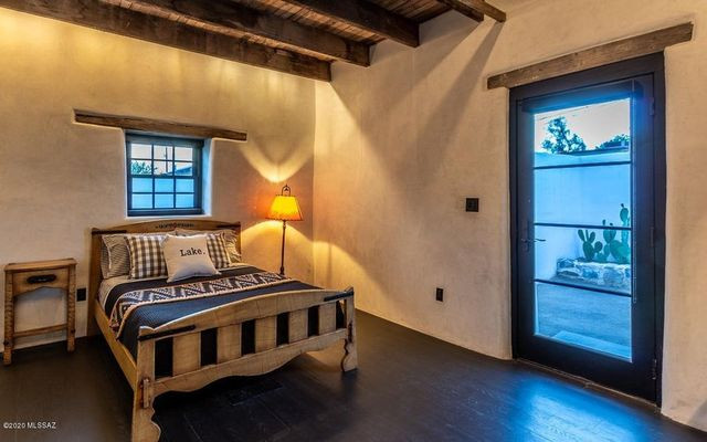 Bedroom after Diane Keaton house in Tucson