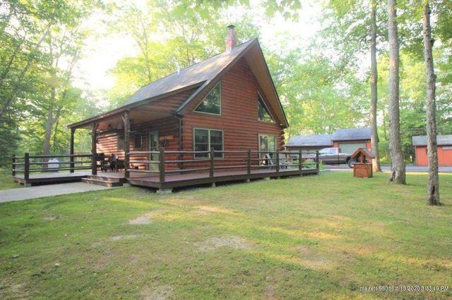 Winterport, ME log cabin exterior