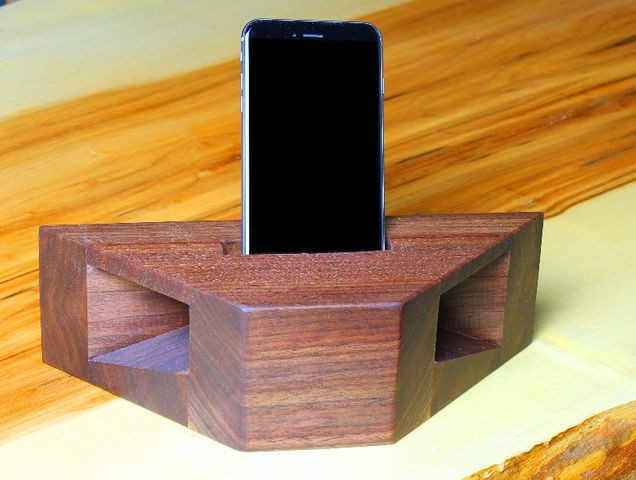 Wood Phone Amplifier