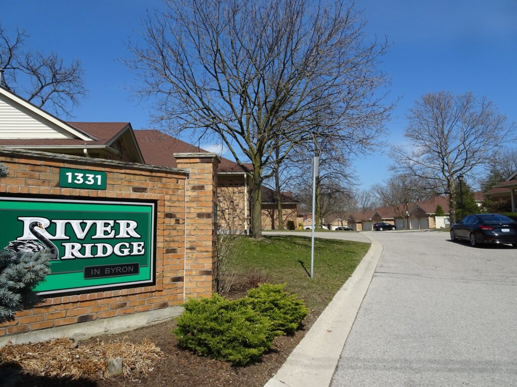 1331 Commissioners Road W Byron Ontario one floor townhouses