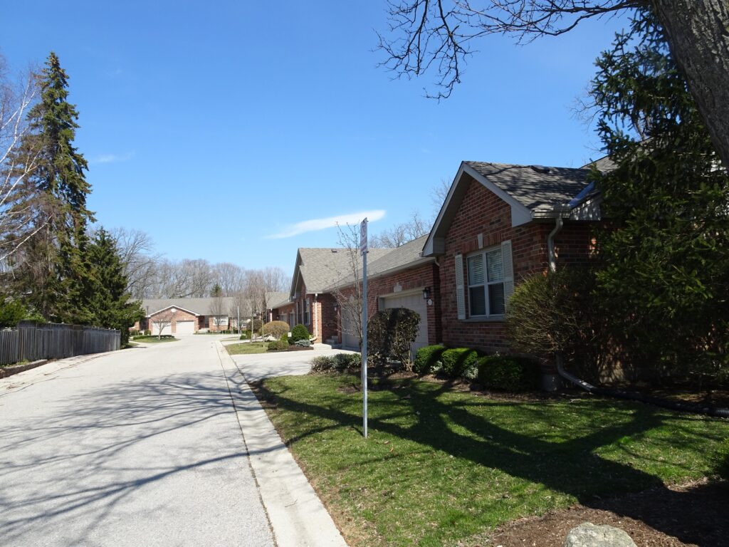 1337 Commissioners Road W London Ontario one floor townhouses in Byron