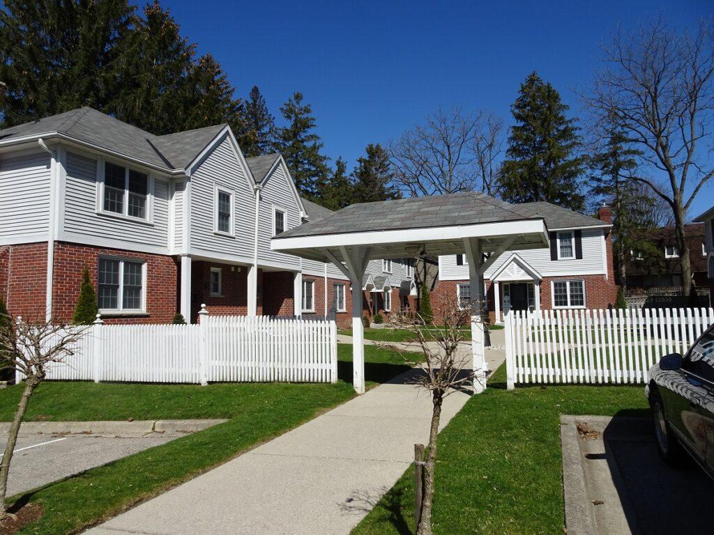 1311 Springbank Ave London Ontario Town houses