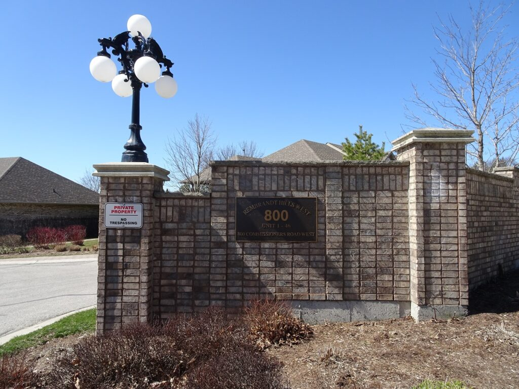 800 Commissioners Road W London Ontarop Town Homes