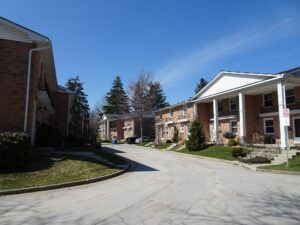 Townhouse Condos at 1385 Commissioners Road W