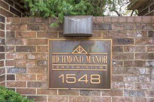 Richmond Manor Entrance