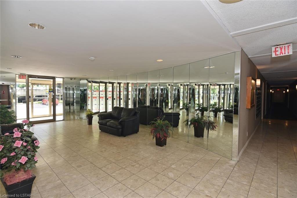 570 Proudfoot Lane London Ontario Lobby