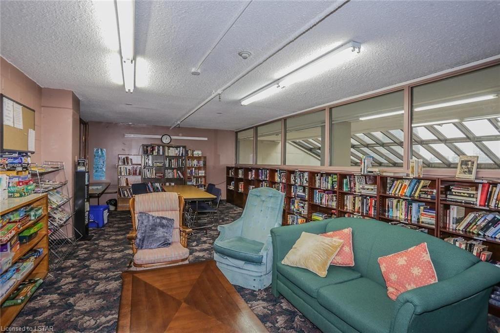 389 Dundas Street London Ontario library