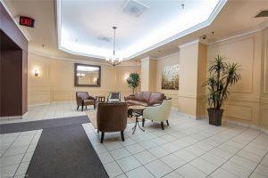 389 Dundas Street London Ontario lobby