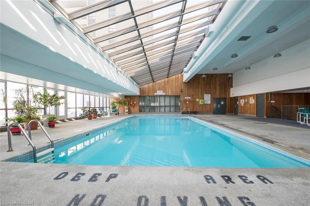 389 Dundas Street London Ontario pool 2