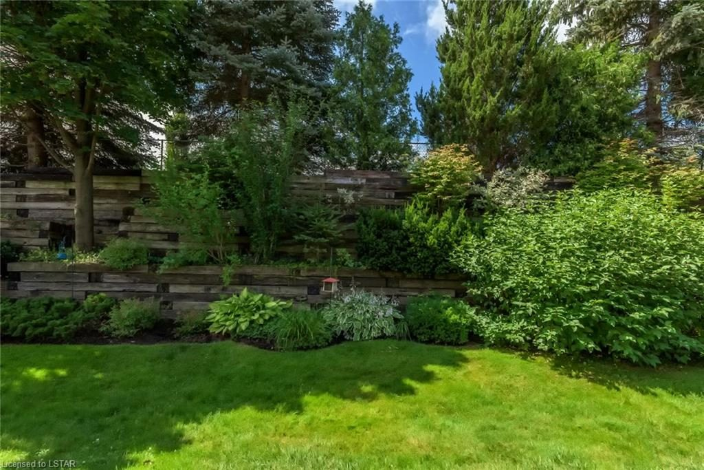7 Cadeau Terrace Great Landscaping