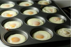Baked-Eggs-400x267