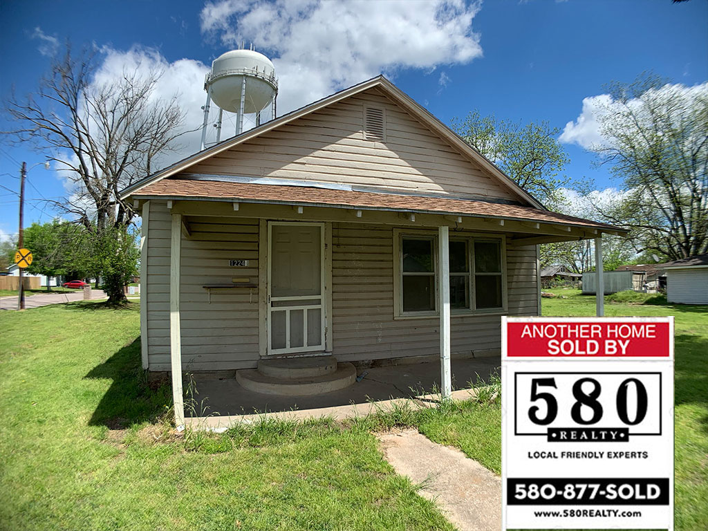 SOLD - 1224 W Texas Street Durant OK 74701