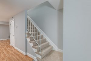 221-foster-knoll-dr_16-stairs-web