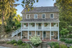 19503-cameron-mill-rd_01_front_web
