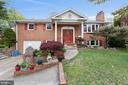 3305 Dauphine Dr