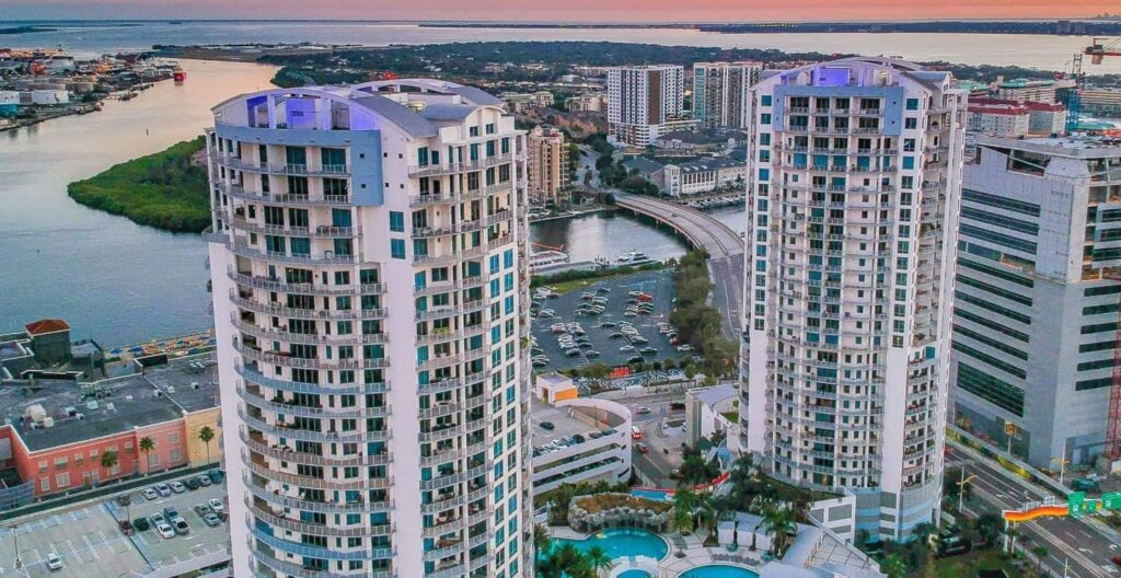 Places to live in Downtown Tampa Towers-of-Channelside