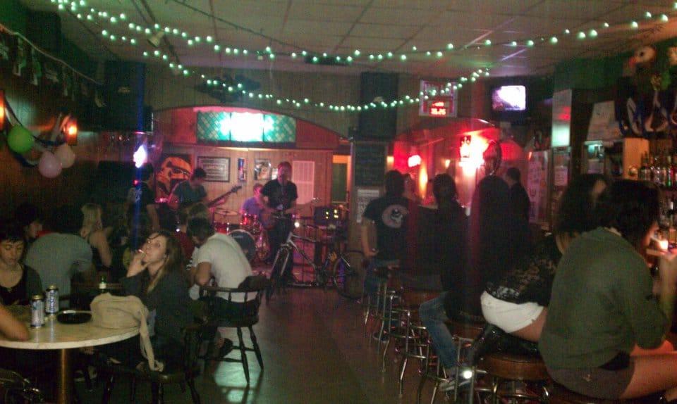 Tampa Bay Dive Bars-Emerald-Bar