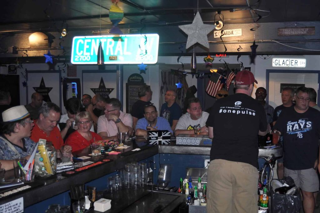 Tampa Bay Dive Bars-Lucky-Star-Lounge