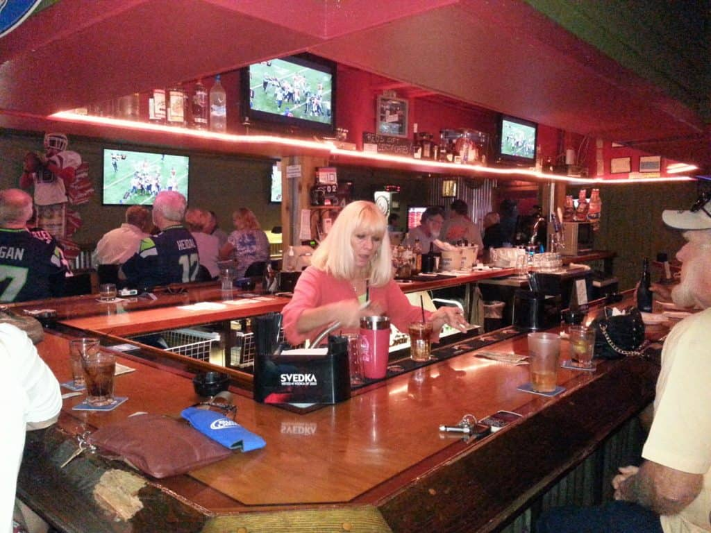 Tampa Bay Dive Bars-Reds-on-the-Blvd-1024x768