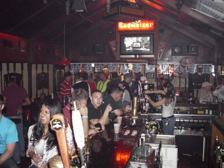 Tampa Bay Dive Bars-Tapper-Pub