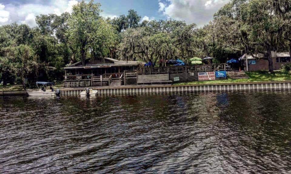 Tampa Bay Dive Bars-The-Beer-Shed