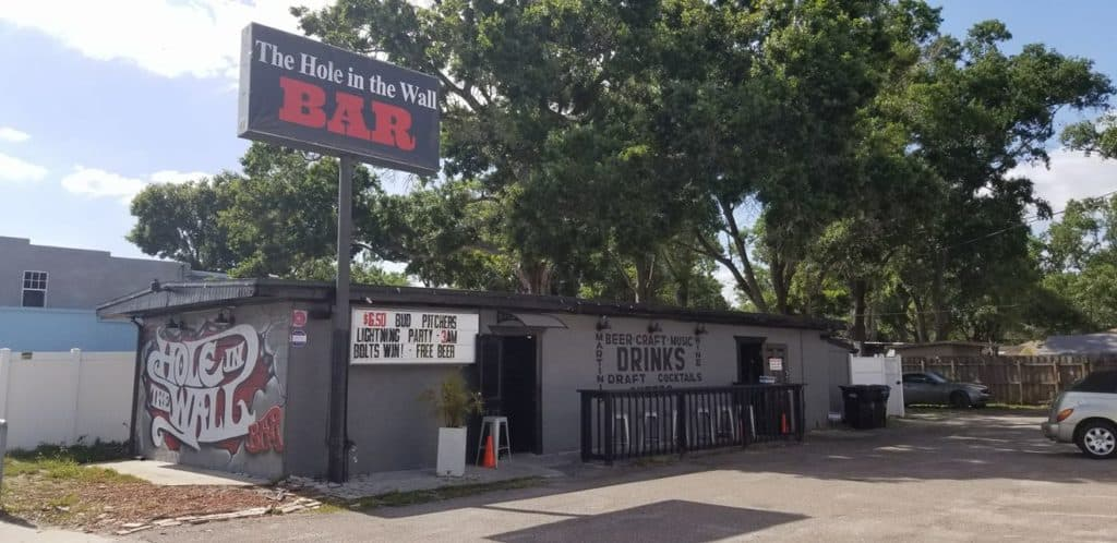 Tampa Bay Dive Bars-The-Hole-in-the-Wall-Bar-1024x498