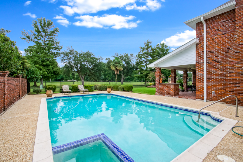 new orleans homes with pools