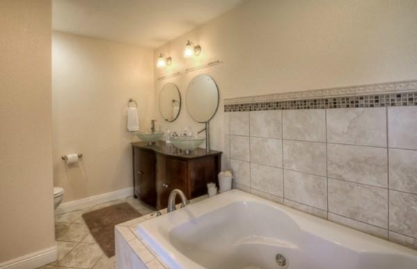 Bev-MLS-282000-Kalopa-3.30.15-master-bath-room-