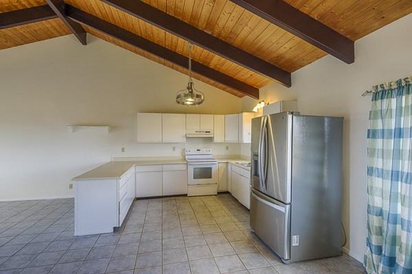 Beverly-274929-kitchen