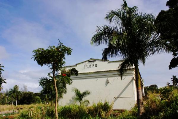 Hakalau-1920-warehouse-600x400