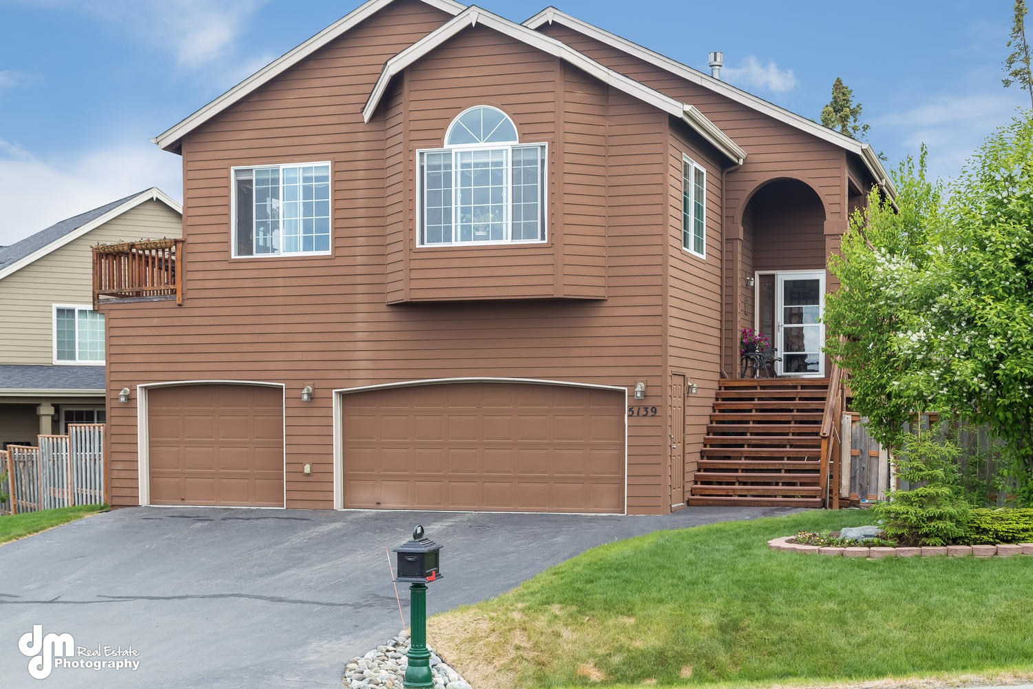 5139 wood hall drive enjoy life in goldenview park all - Exterior house painting anchorage ...